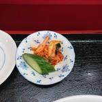 春華食堂 - 漬物(焼肉丼・半ラーメン)