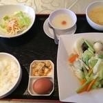 70876892 - 八宝菜定食