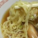 70880495 - 麺は縮れ麺