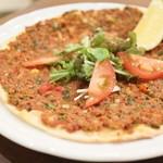 トルコ料理&地中海料理メッゼ - トルコピザ