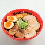富山ブラック 麺家いろは - ブラックW肉盛りらーめん