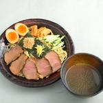 富山ブラック 麺家いろは - ローストビーフつけ麺