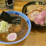 Chuukasobauezu - 料理写真:「特製つけめん大」(1150円)