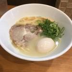ラーメン こんじき - 塩鶏白湯並750円&味玉100円