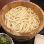 丸亀製麺 - 釜揚げ並140円(半額)