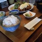 ごはん食堂 桐家 - 本格チキン南蛮定食(5ヶ)