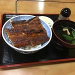 70887753 - うな丼(特)はサクッと焼けた鰻もご飯も丼も熱々で満点です(^-^)