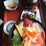 いわき七浜料理 まるかつ - 海鮮丼