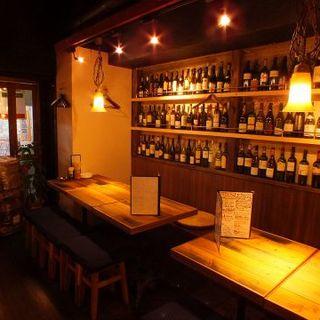 おしゃれな空間で美味しいお酒と料理を!