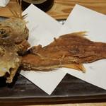 魚菜屋 - 骨せんべい