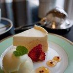 備屋珈琲店 - 料理写真:備屋珈琲店 伊豆高原店 チーズケーキ