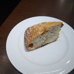 オーソレイユ クーシャン - お替わりのパン