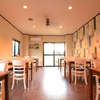 ◆幹事様必見!店内奥の空間は20名様~貸切・宴会可能です♪