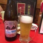 元祖ぎょうざ苑 - 瓶ビール〜(^。、^)/¥600円