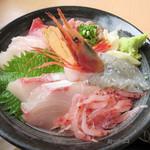 70894376 - 黒海鮮丼