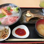 70894380 - 黒海鮮丼
