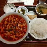 70895880 - 麻婆ラーメン+半ライス(大盛りライス?)定食600円