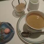 ル・モノポール - コーヒーと小菓子