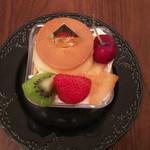 ケーキハウス パナッシェ - 料理写真:プリンアラモード ボリュームがあります