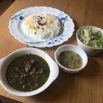 パーズ クズィン - ゴルメサブズィ、バスマティライス、スープ、サラダ(ランチセット)