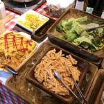 70901974 - ランチブッフェ台のお料理