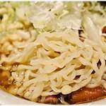大木 - ピロピロ麺は冷やされた事により更にコシの強さUP!