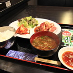 京城苑 - 料理写真:黒毛和牛カルビ定食