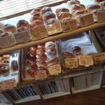 ミクスチャー - 内観・パン売り場