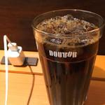 ドトールコーヒーショップ - コンセントが設置されています。(2017.8 byジプシーくん)