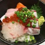 70912342 - 海鮮丼
