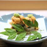 茂松 - 新蓮根と太刀魚の挟み揚げ、紫雲丹