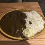 Bistro MULCHEE 大手町店 - シェフズランチ、黒ごまと牛すじの黒カレー