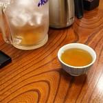 70915643 - サービスの冷麦茶