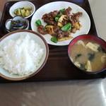 忠龍 - 料理写真:牛肉とピーマンのからし炒め定食