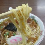 食堂 多万里 - ストレート細麺は、柔らかくツルツル