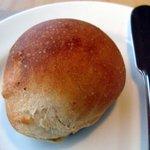 レストラン ルスティク - 自家製パン