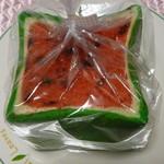 ベーカリー&カフェ キクチヤ - スイカパン1斤450円(税別)