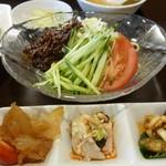 70921667 - ジャージャー麺&前菜3種