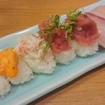 ときすし - 握り寿司のウニ、蟹身、ネギトロ、ハマチ