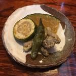 呑み食い処ぼぎぃ - お通し  鳥肉うま煮&カボチャズッキーニの煮物