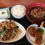 台北榕園 - ニラレバ定食  台湾ラーメン