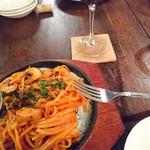 70929228 - 「ほんとのスパゲッティナポリタン目玉焼きと 」&赤ワイン