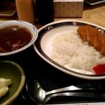 串鳥 - 570円。カツカレー。