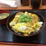 どんぶりころころ - カツ丼シングル和風カレー味 680円