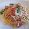 Mochidukipasutashokudougusuke - 料理写真:スパゲッティーニしらす・キャベツ・トマト