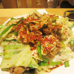 ひびか食堂 - ひびか名物 ニラ豚炒め。