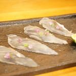 平和寿司 - 三河湾産のコチ