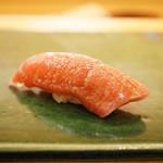 平和寿司 - 沖縄の鮪の中とろ