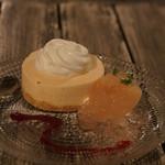 ビストロ椿 - 白桃のムースグラッセ