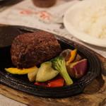 ビストロ椿 - 村上牛のレアハンバーグステーキ
